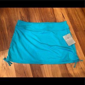 NWT Athleta Scrunch Skirt size Medium